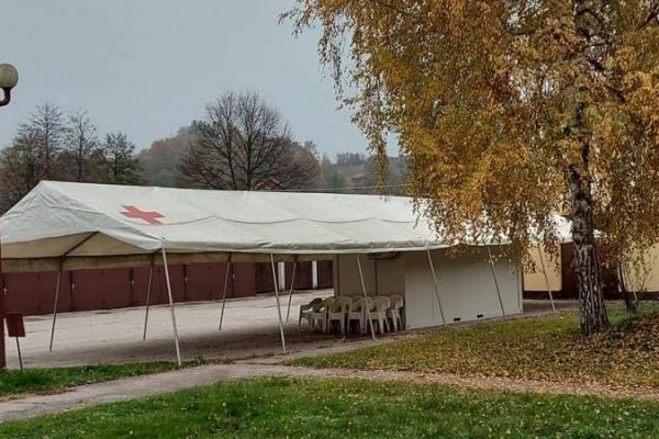 Danas postavljen šator